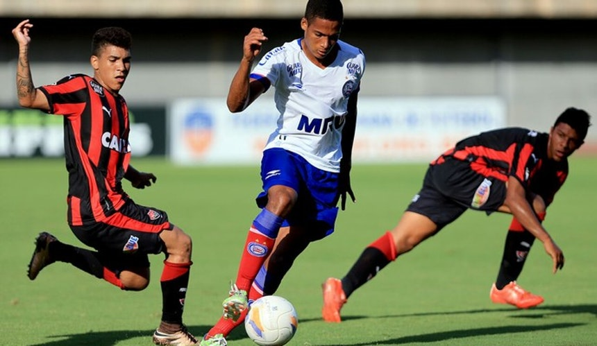 Ba-Vi válido pelo Baiano sub-20 terminou empatado em 1 a 1 (Foto: Felipe Oliveira / Divulgação / E.C. Bahia)