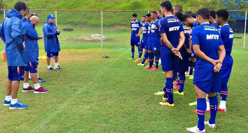 Alexandre Faganello, auxiliar de Guto Ferreira, foi quem comandou o treino deste domingo (Foto: Divulgação/E.C. Bahia)