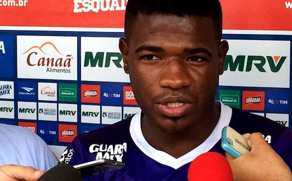 Algoz do passado, Feijão relembra gol marcado em Muriel