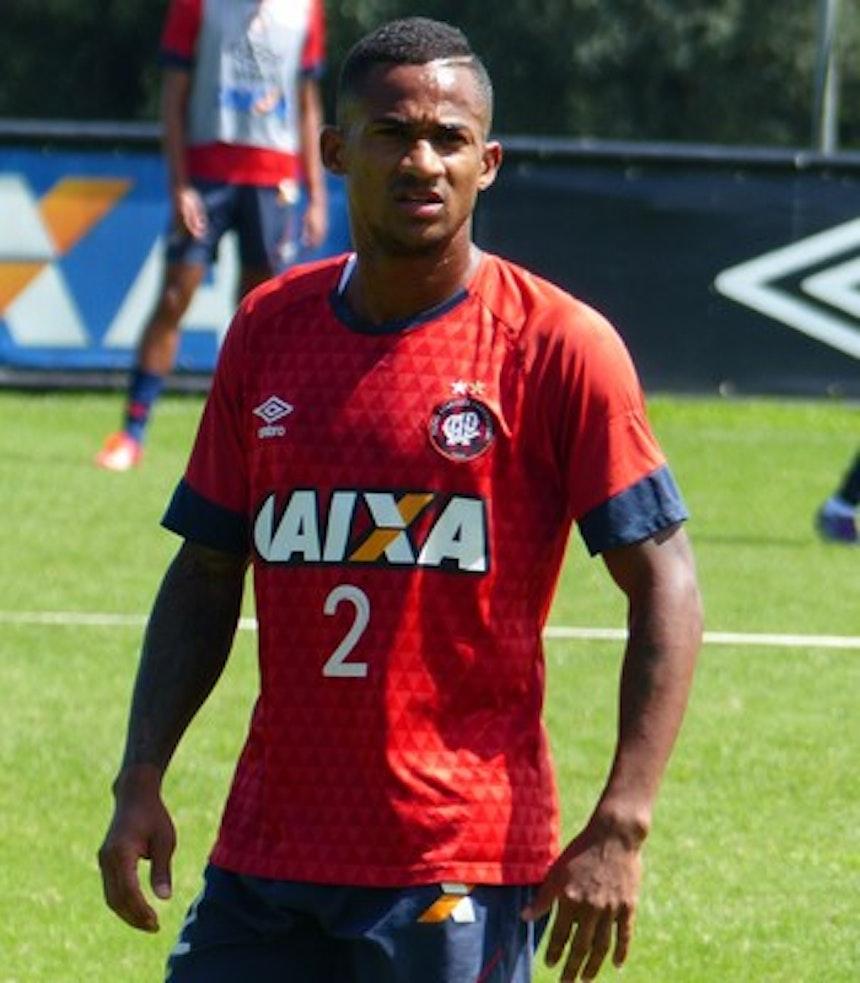 Eduardo é alvo do Bahia para reforçar o grupo à disposição de Guto Ferreira (Foto: Monique Silva)