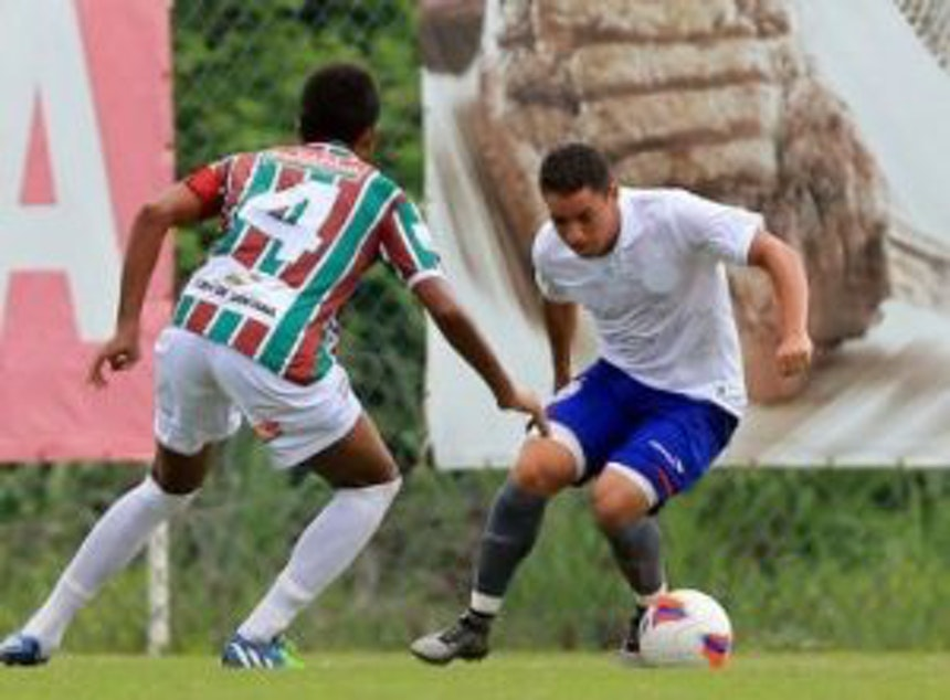 Amistoso entre Bahia e Fluminense de Feira (Foto: Felipe Oliveira / ECB)