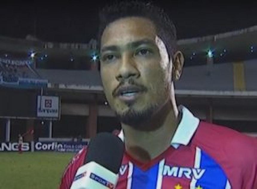 Atacante Hernane dá entrevista após derrota do Bahia para o Paysandu