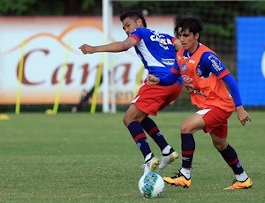 Hernane iniciou treinamento no time titular (Foto: Felipe Oliveira/EC Bahia/Divulgação)