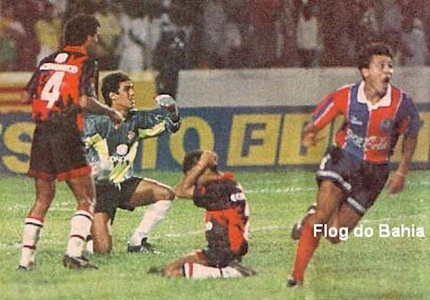 Raudinei faz o gol do título do Campeonato Baiano de 1994