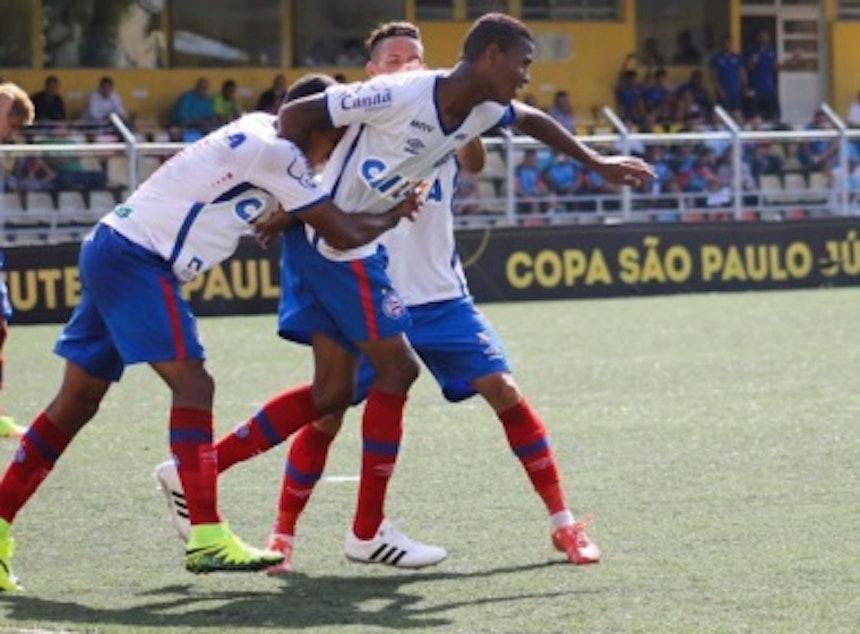 Everson comemora o gol marcado contra o Trindade (Foto: Mauricia da Matta)