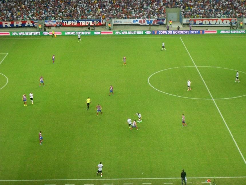 Mesmo com um jogador a menos, Bahia mostra organização e proximidades entre as linhas (Foto: Ruan Melo)