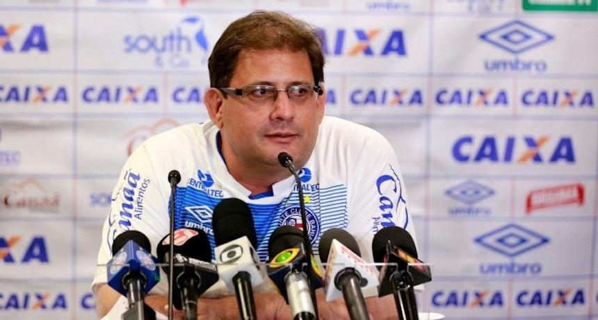 Guto Ferreira pede