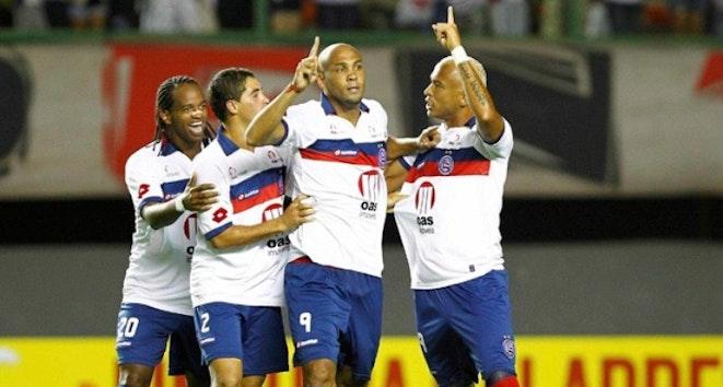 Relembre a virada histórica do Bahia sobre o São Paulo em 2011