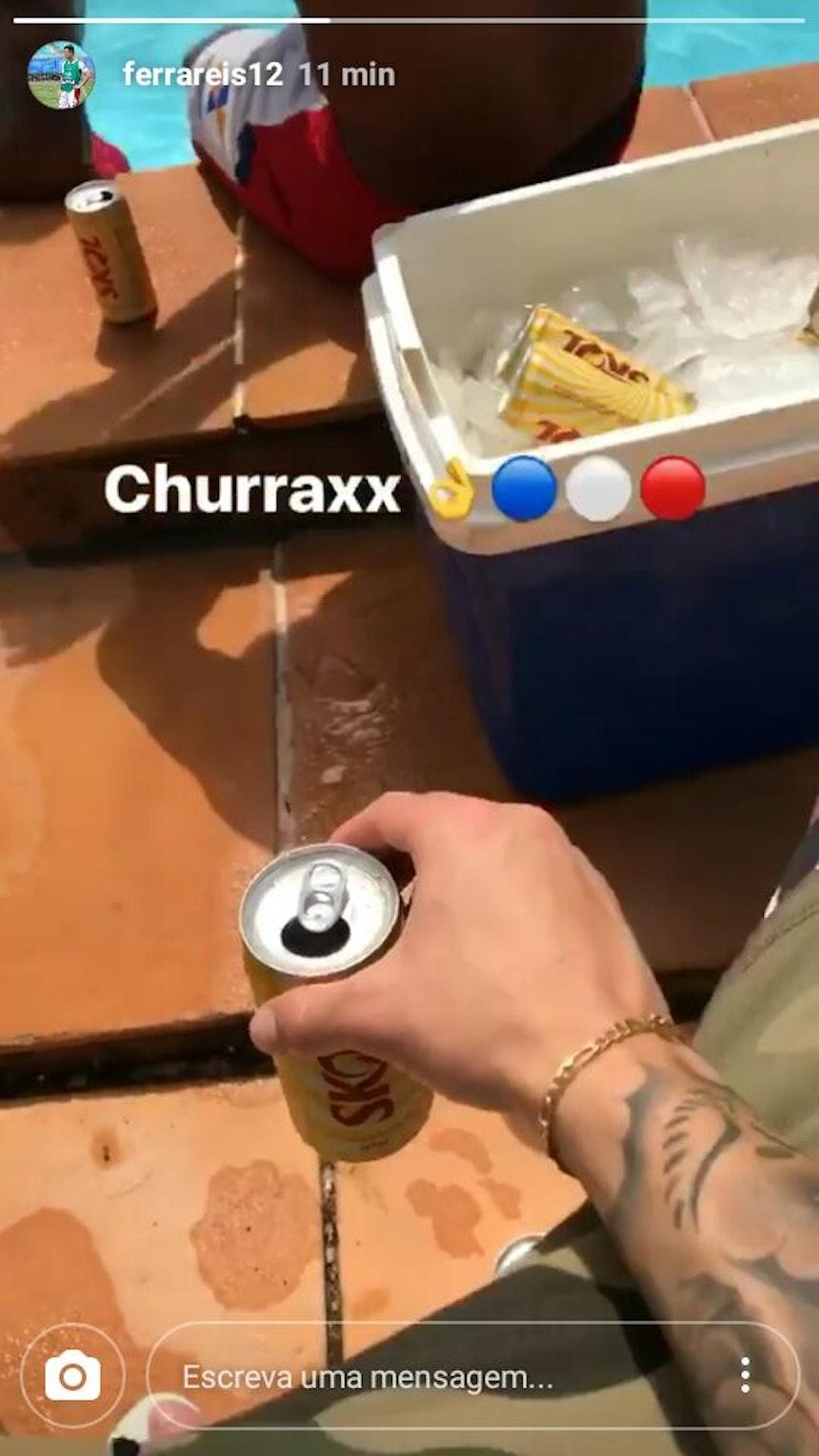 Ferrareis publicou foto de cerveja no Fazendão (Foto: Reprodução / Instagram)