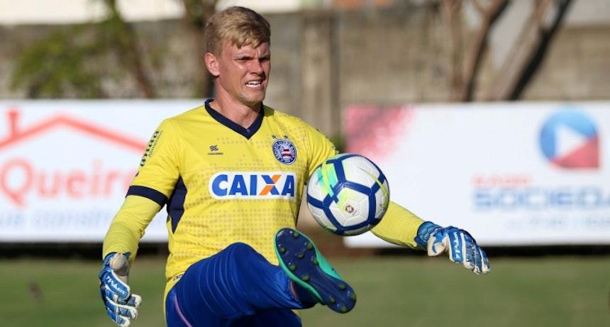 Douglas treina pelo Bahia no Fazendão (Foto: Felipe Oliveira/Divulgação/EC Bahia)